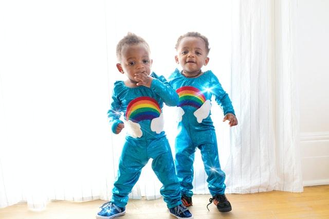 jumeaux dormir ensemble